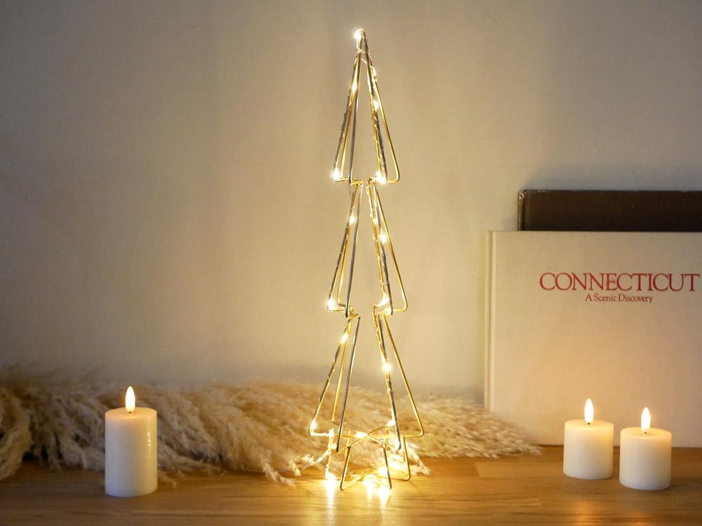 シンプルでおしゃれな2020年ワイヤーのクリスマスツリー|Hinata Life